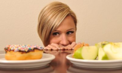 Outplay food cravings and overeating – clever tips and tricks