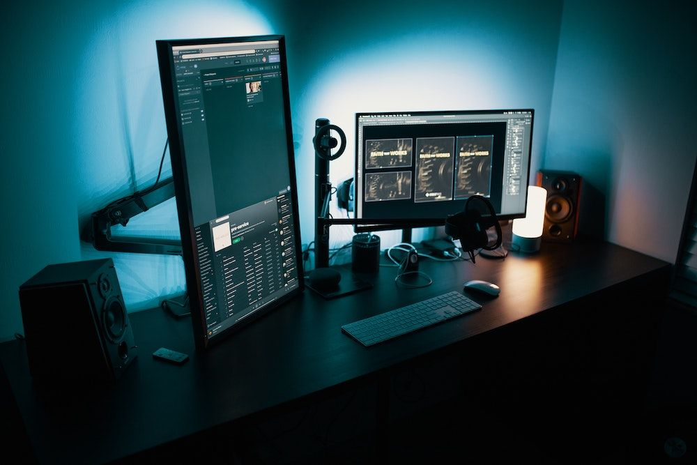 Best Vertical Monitors For Coding, Reading and Gaming