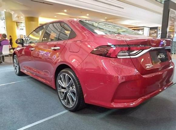 Corolla 2021 red colour