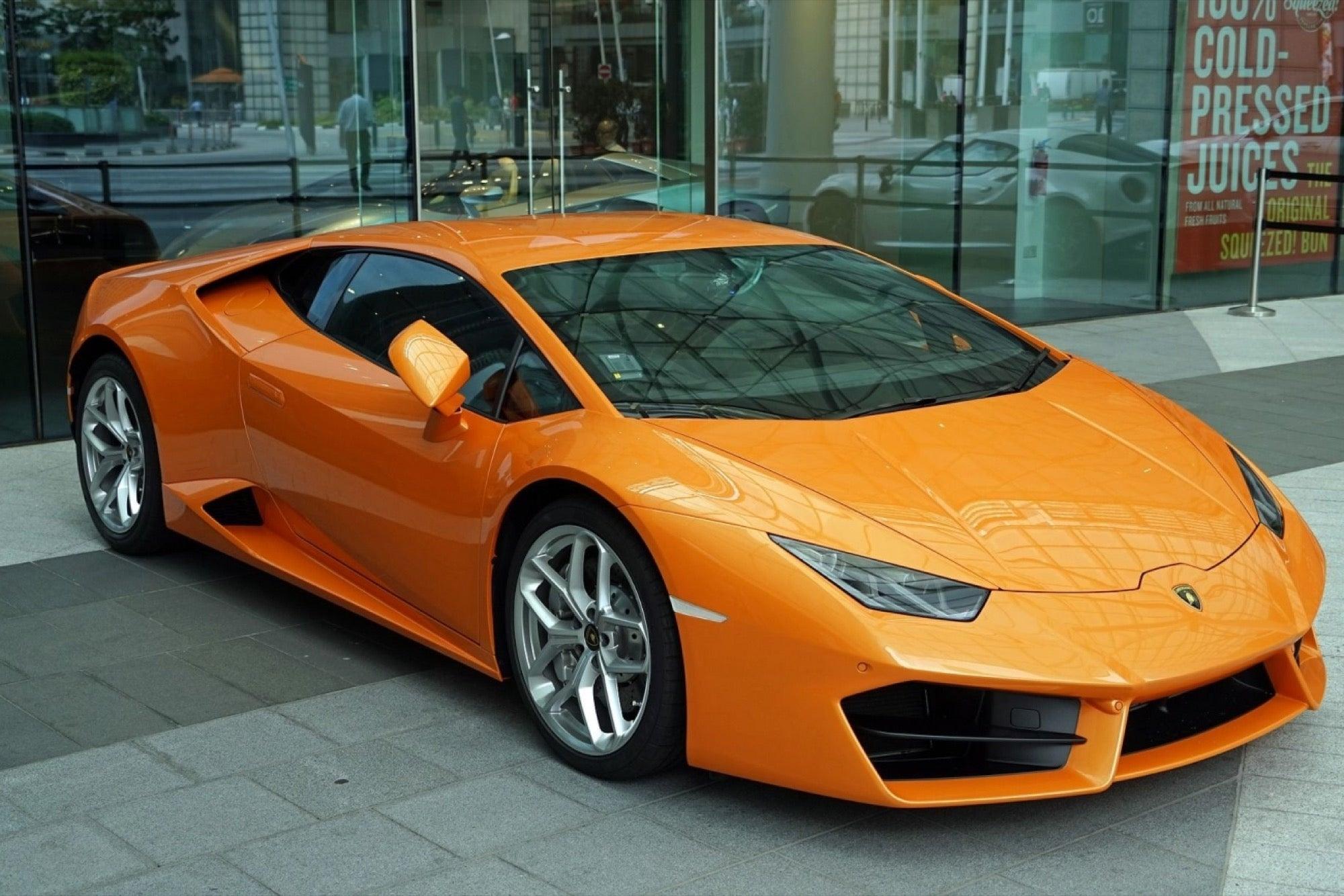 Rent Luxurious Car
